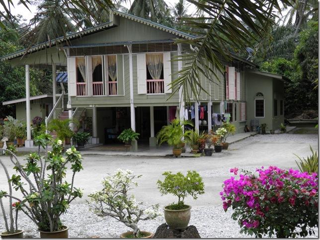 tradional house kampung endah