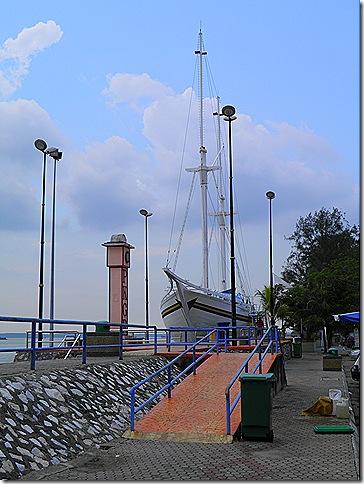 Bugis schooner at Tanjung Harapan.