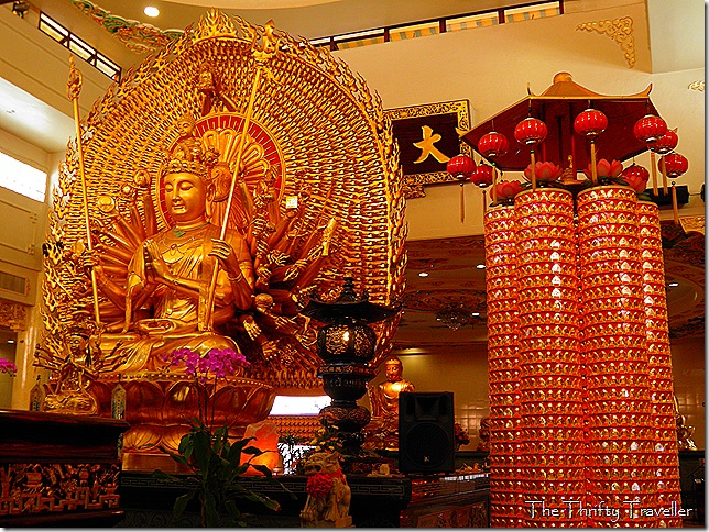 Guan Yin statue and Zhunti Pusa statue