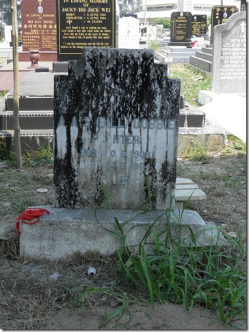 Grave of AAS Bill Dobbie, Kuantan Christian Cemetery