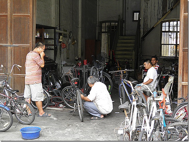 Bicycle repair shop, Tronoh
