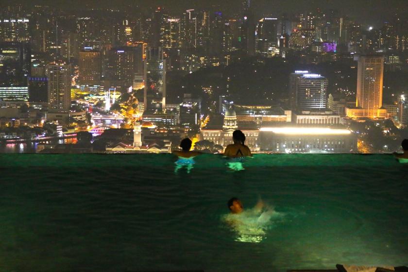 Vanishing Edge Pool at Marina Bay Sands