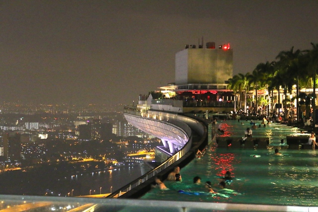 Vanishing Edge Pool at Marina Bay Sands