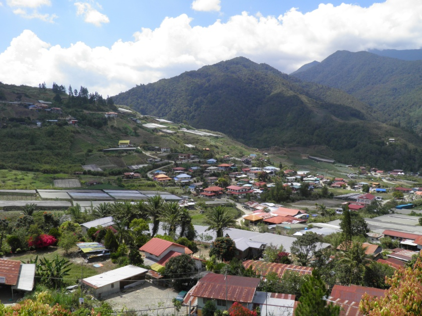 Kundasang Town , 90km from Kota Kinabalu and 10 minutes drive from the entrance to Kinabalu National Park