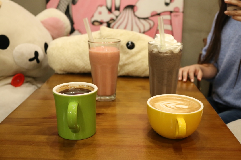 Colourful drinks at the Rilakkuma cafe in Seoul