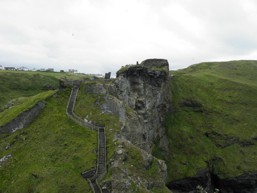 Tintagel Castle was built on a rocky outcrop joined to the mainland by a narrow neck making it easily defendable.