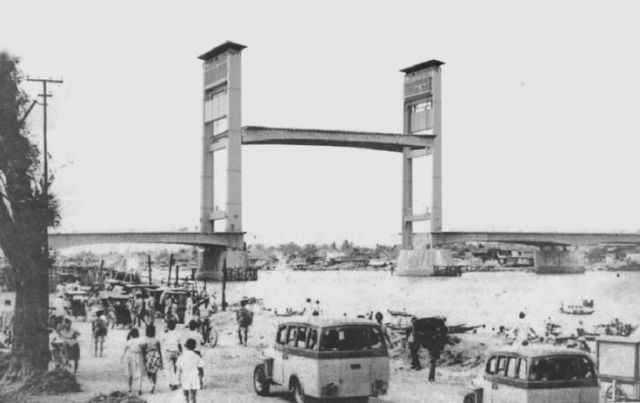 Ampera-Bridge