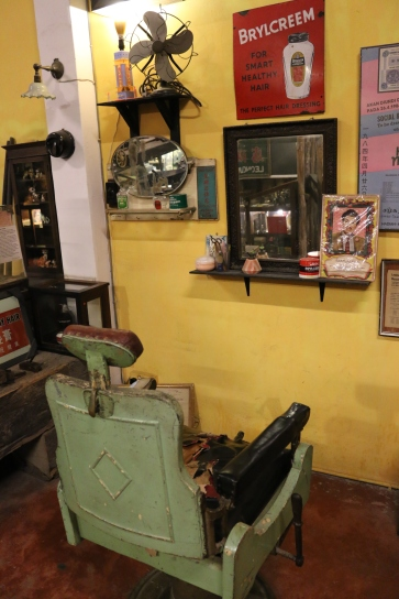 There are still barber shops like this in Malaysia.