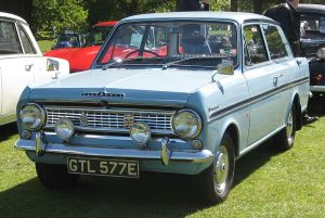 800px-Vauxhall_Viva_HA_with_SL_or_90_front_first_registered_April_1967_1057cc
