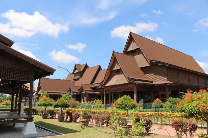 Melaka-Tourism-hang-tuah-centre